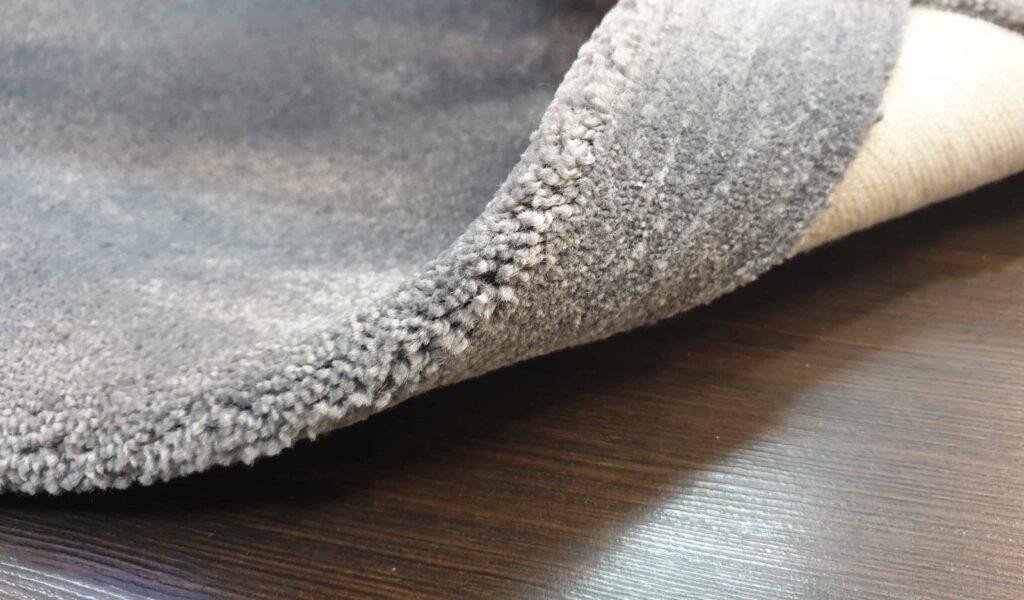 20190317 181310 1024x600 - В чем разница между ковром и ковровым покрытием (ковролином)?