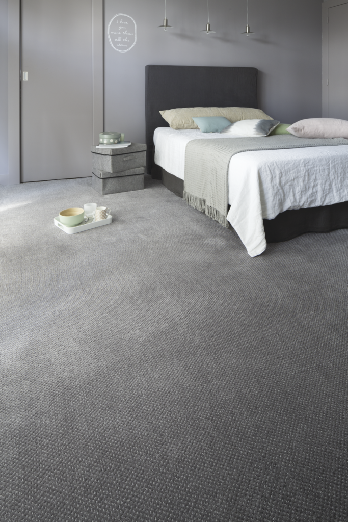 72 dpi 409x roomset carpet aquarelle touch 930 grey 2 683x1024 - Ковровое покрытие Balsan Aquarelle Touch 230