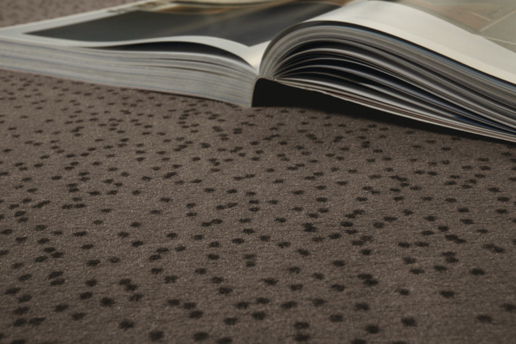 72 dpi 4ao3 closeup carpet constellation 770 brown 1 1024x683 - Ковровое покрытие Balsan Design Concept Constellation 560