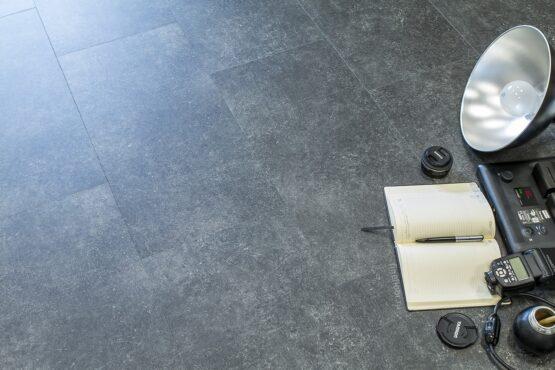 ff 1455 2 555x370 - Кварц-виниловая плитка FineFloor Stone DryBack FF-1455 Шато Миранда