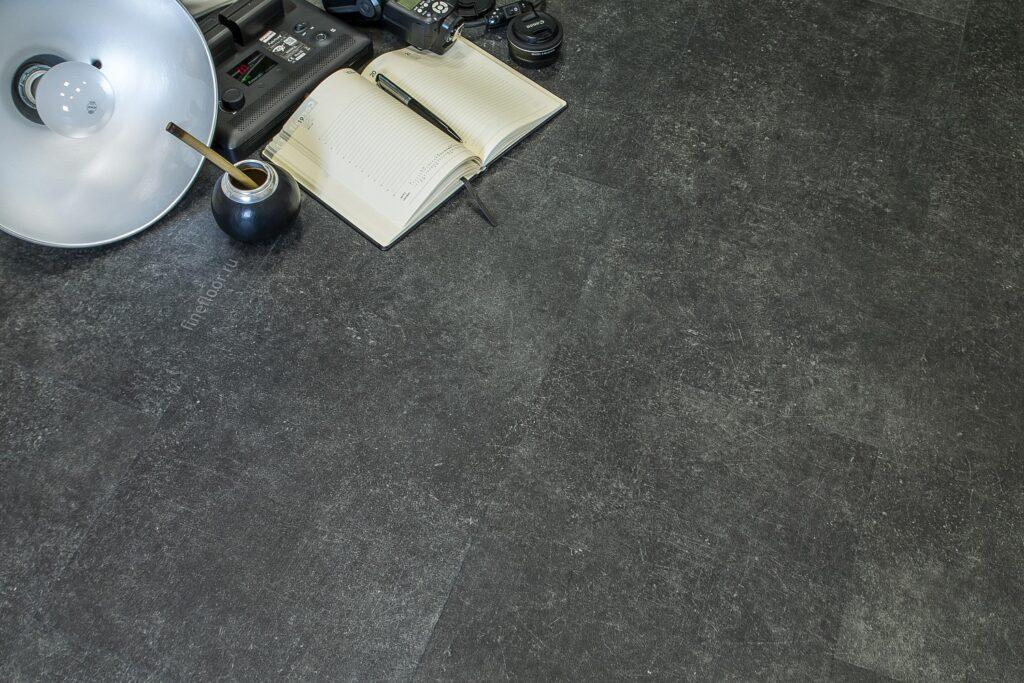 ff 1455 3 1024x683 - Кварц-виниловая плитка FineFloor Stone FF-1555 Шато Миранда