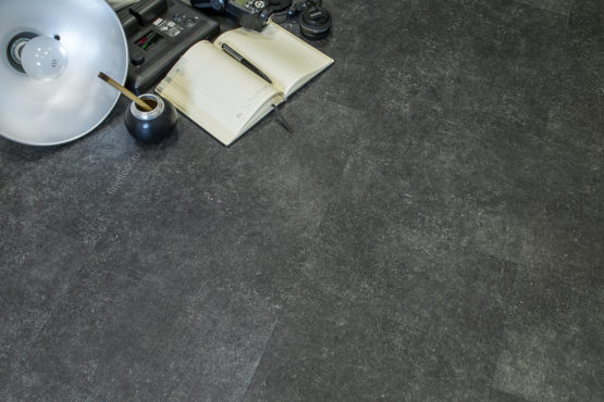 ff 1455 3 555x370 - Кварц-виниловая плитка FineFloor Stone FF-1555 Шато Миранда