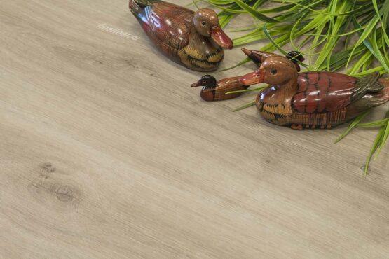 ff 1415 2 555x370 - Кварц-виниловая плитка FineFloor Wood FF-1515 Дуб Макао