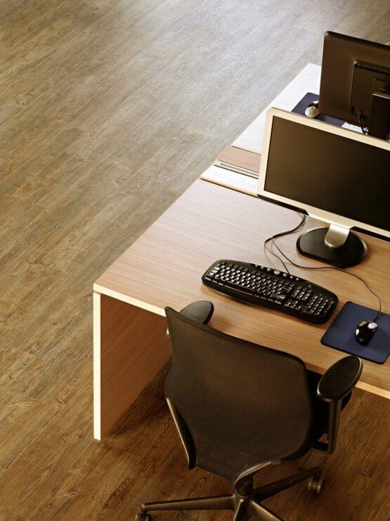 ff 1583 1 555x741 - Кварц-виниловая плитка FineFloor Wood FF-1583 Сосна Парма